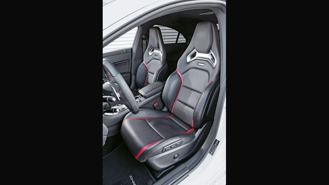 Mercedes CLA 45 AMG, Fahrersitz