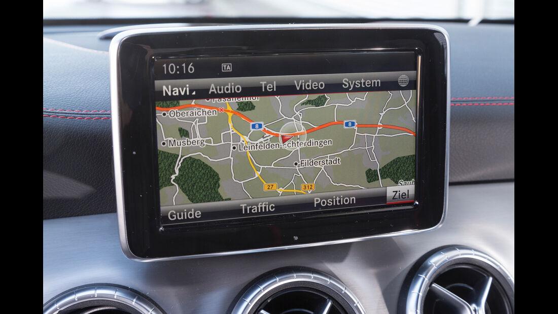 Mercedes CLA 45 AMG, Navi, Bildschirm