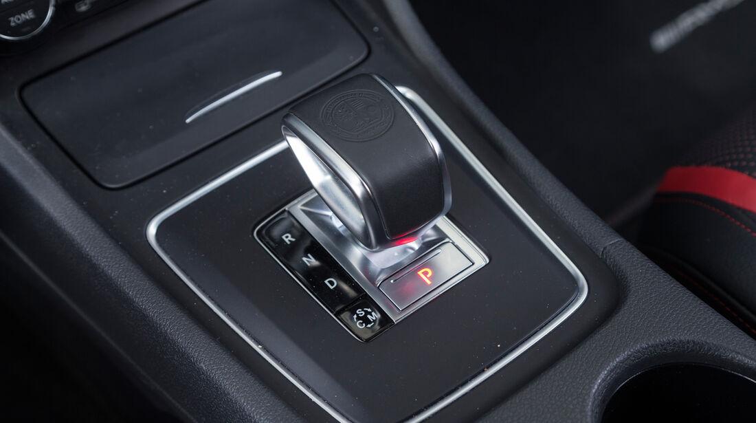 Mercedes CLA 45 AMG, Schalthebel