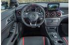 Mercedes CLA 45 Shooting Brake, Innenraum, Cockpit