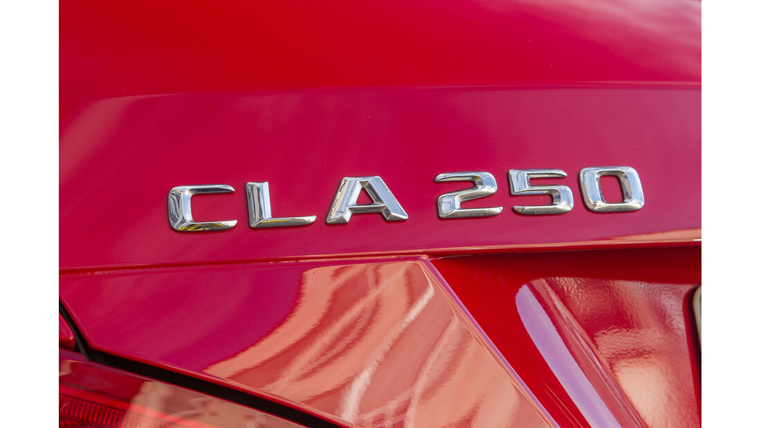 Mercedes CLA Shooting Brake, Typenbezeichnung