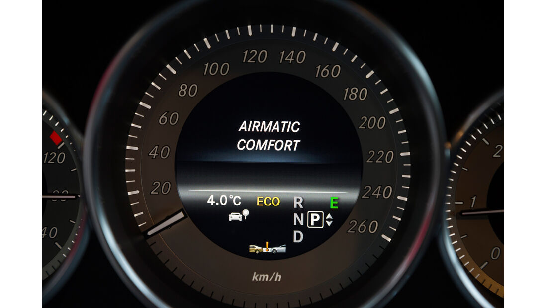 Mercedes CLS 250 CDI SB, Tacho, Display