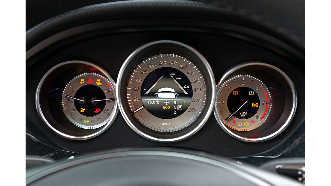 Mercedes CLS 350 Bluetec Shooting Brake, Rundinstrumente