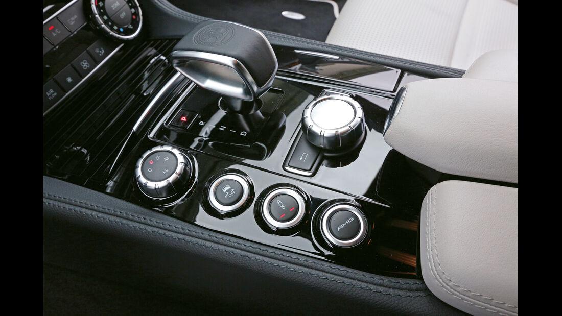 Mercedes CLS 63 AMG, Bedienelemente