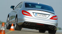 Mercedes CLS 63 AMG, Heckansicht, Slalom