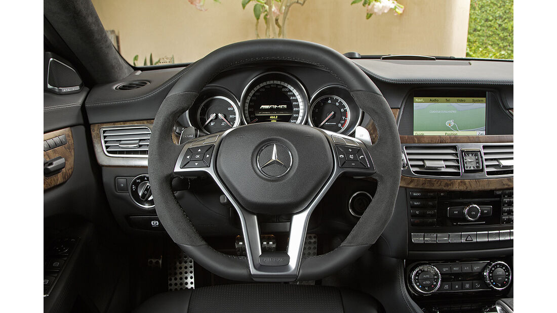 Mercedes CLS 63 AMG, Innenraum, Cockpit