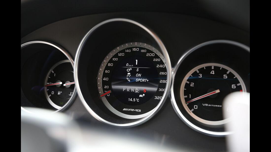 Mercedes CLS 63 AMG, Rundinstrumente