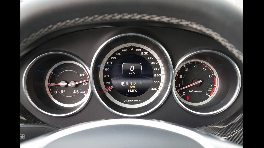 Mercedes CLS 63 AMG S 4Matic, Rundinstrumente
