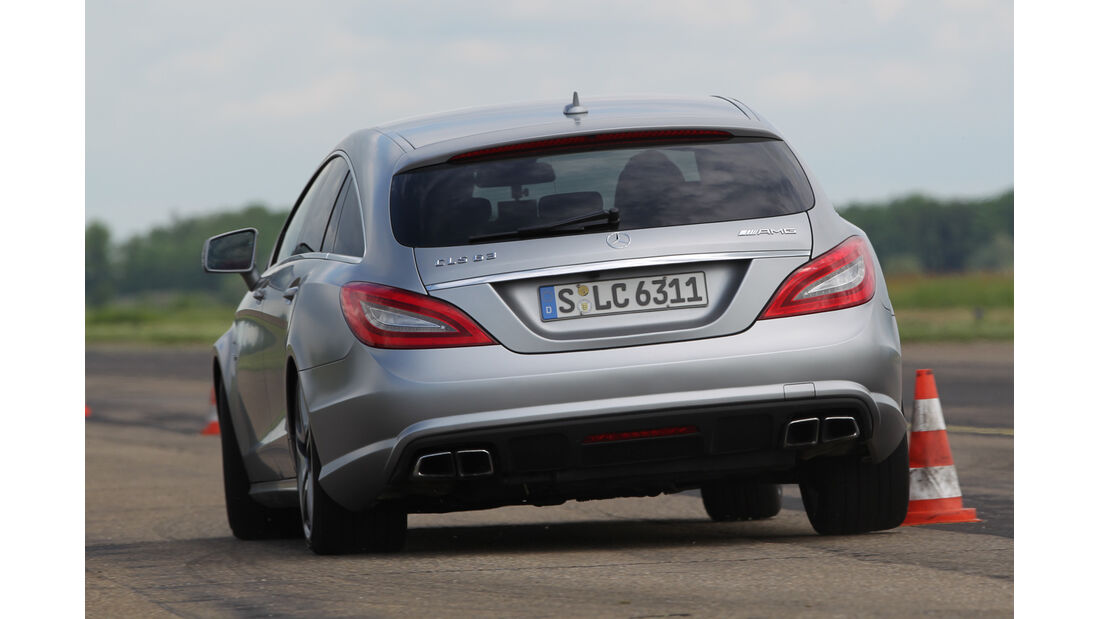 Mercedes CLS 63 AMG Shooting Brake, Heckansicht, Slalom