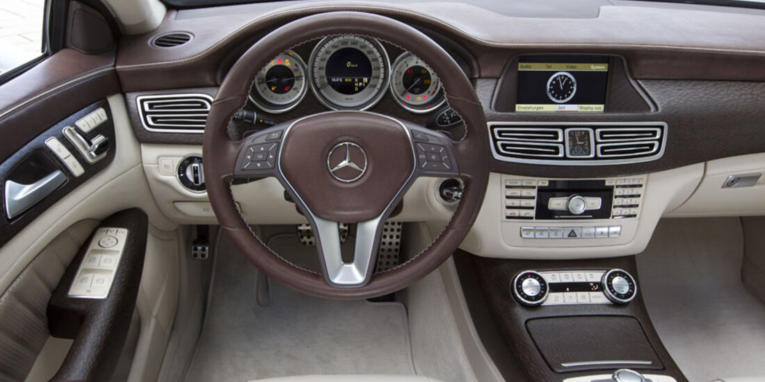 Mercedes CLS Shooting Break, Cockpit