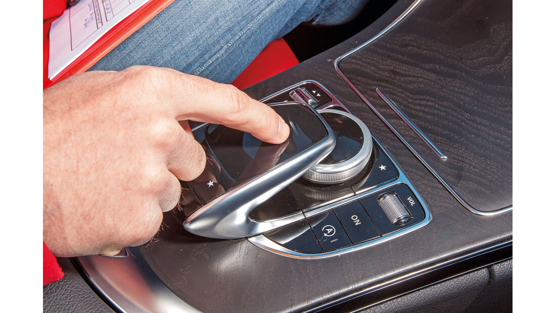 Mercedes Comand Online, Touchpad