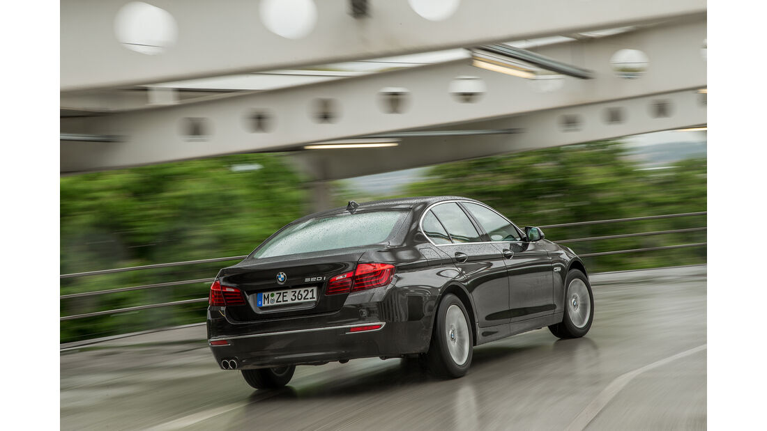 Mercedes E 200, BMW 520i, Skoda Superb VT, AMS1316