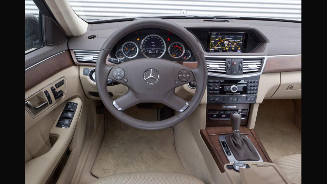 Mercedes E 200 CDI T Elegance, Cockpit, Lenkrad