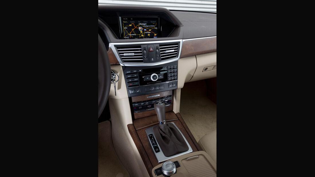 Mercedes E 200 CDI T Elegance, Mittelkonsole, Detail, Navigationssystem