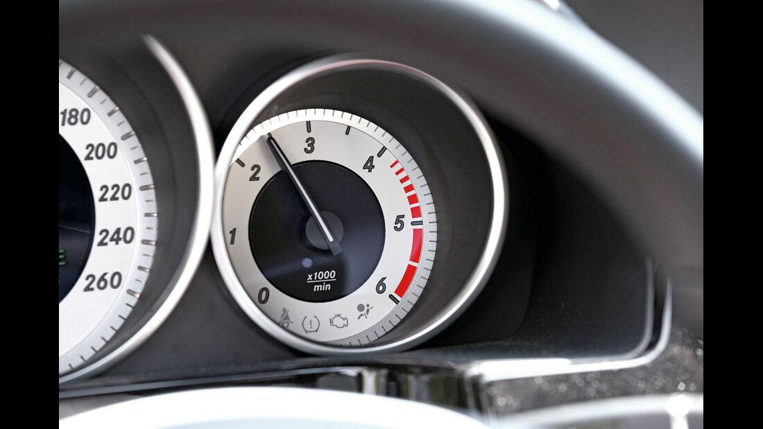 Mercedes E 200 CDI T, Rundinstrumente