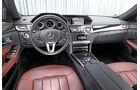 Mercedes E 200, Cockpit
