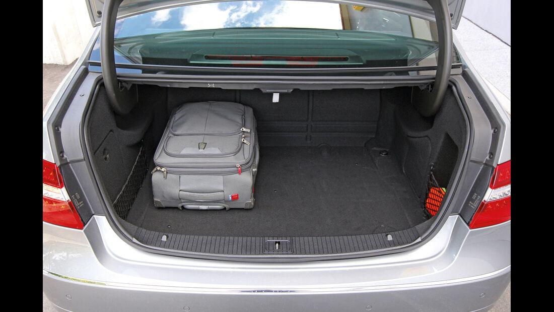 Mercedes E 200 NGT, Kofferraum