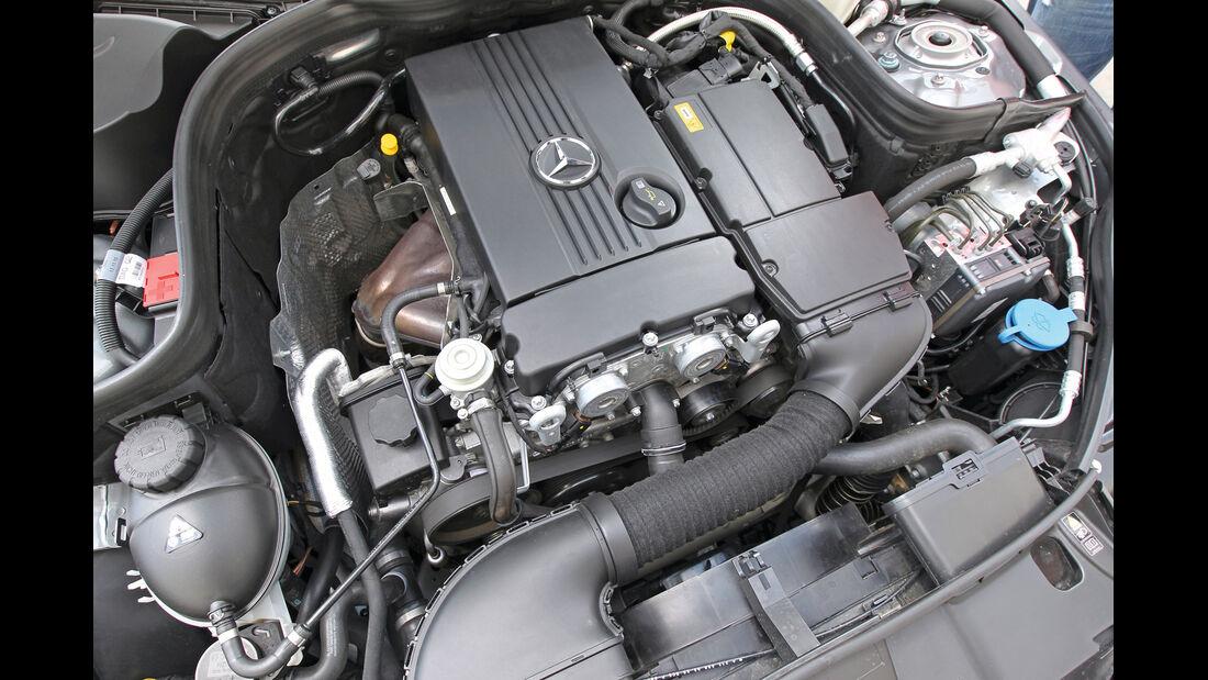 Mercedes E 200 NGT, Motor