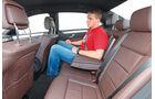 Mercedes E 200 NGT, Rücksitz, Beinfreiheit