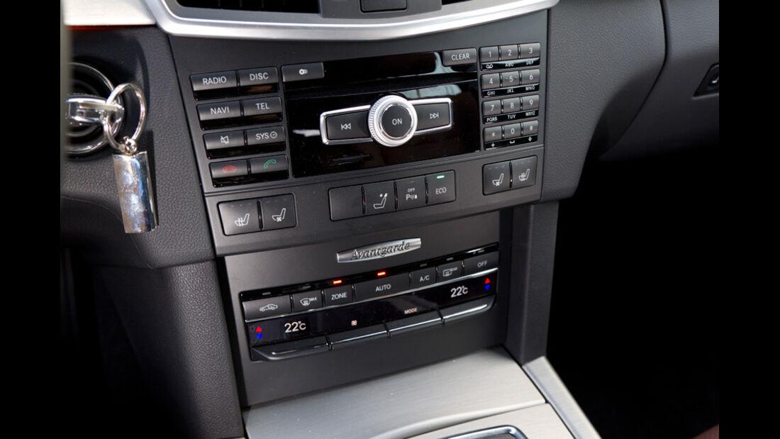 Mercedes E 200 T Avantgarde, Mittelkonsole