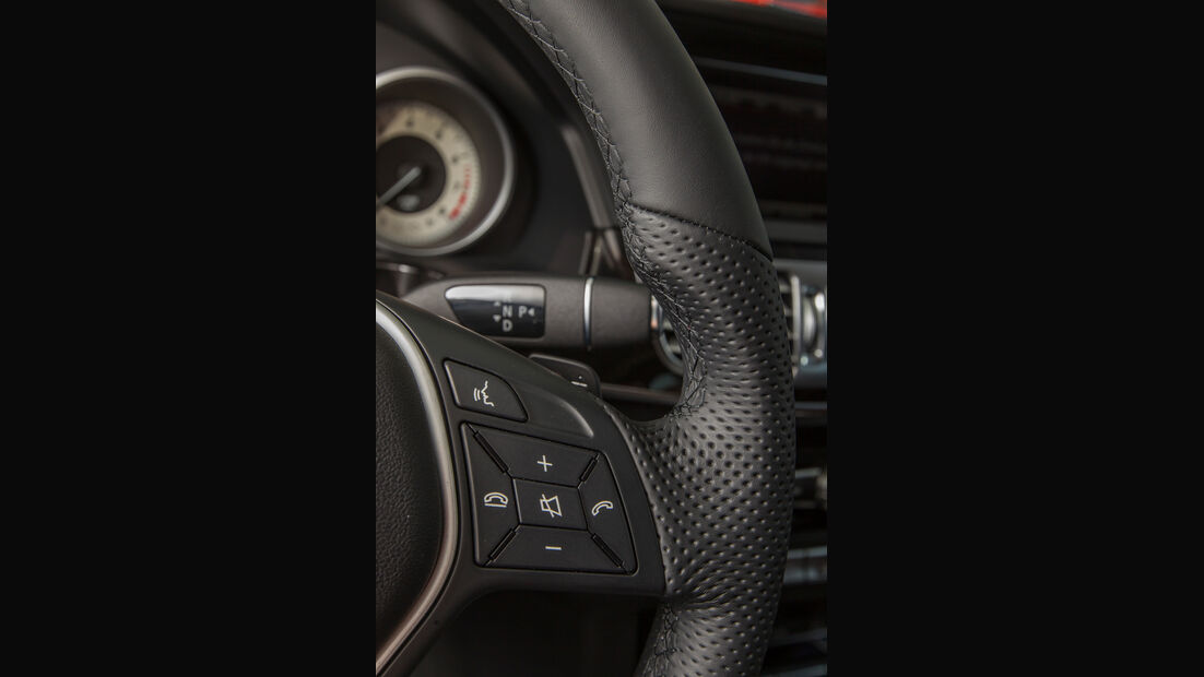 Mercedes E 200 T, Lenkrad, Bedienelemente