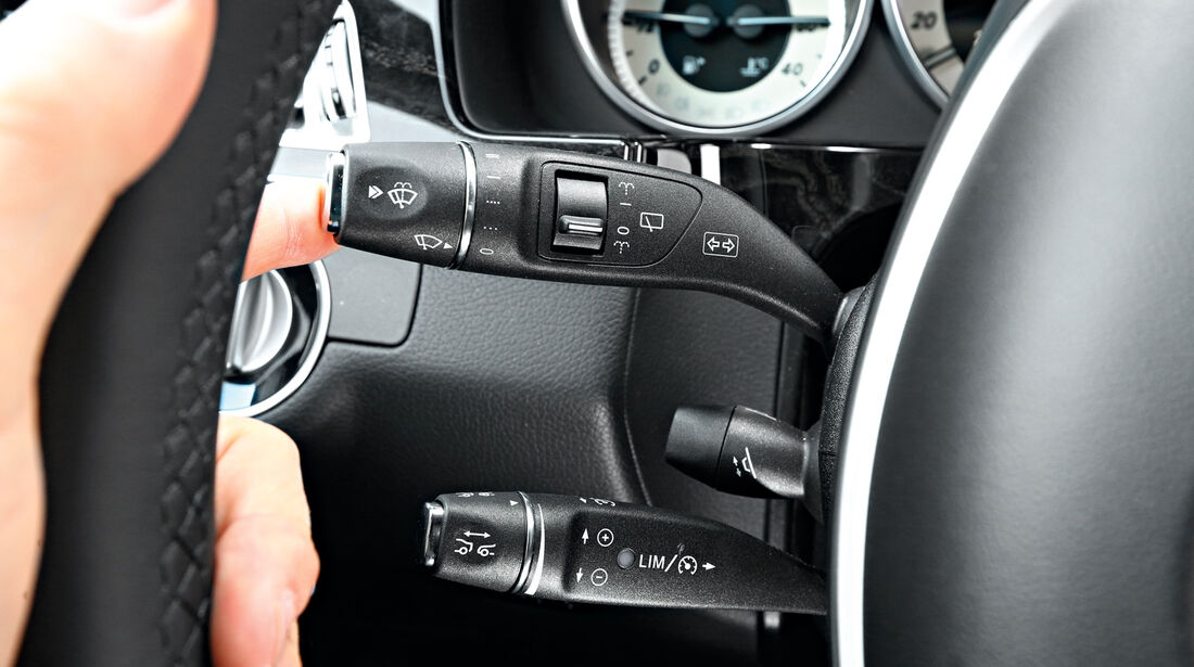 Mercedes E 200 T, Lenkradschalter