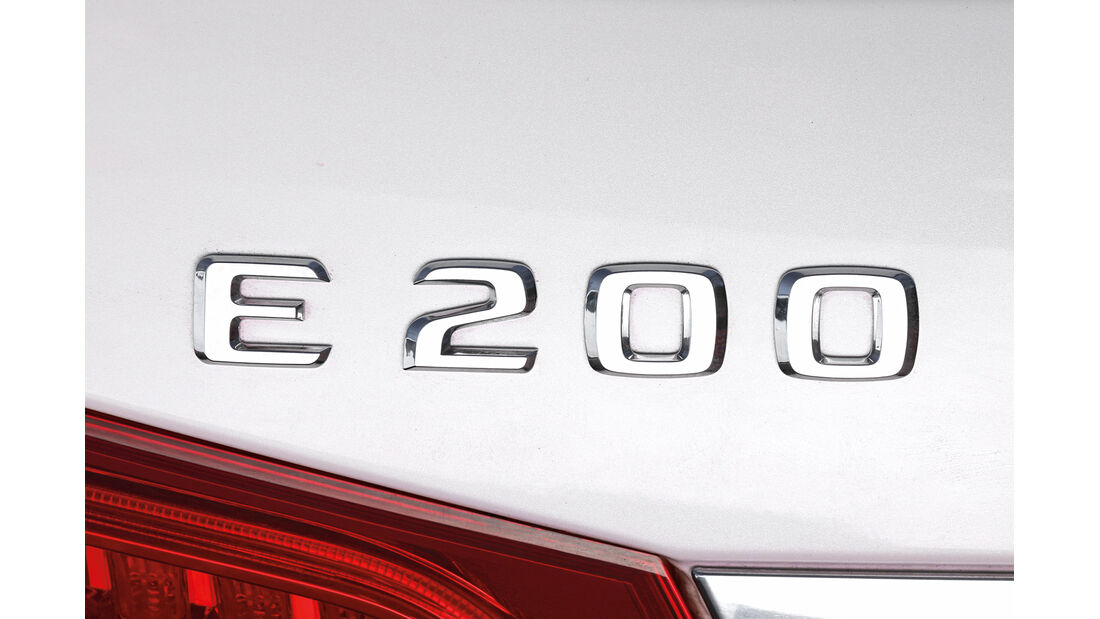 Mercedes E 200, Typenbezeichnung