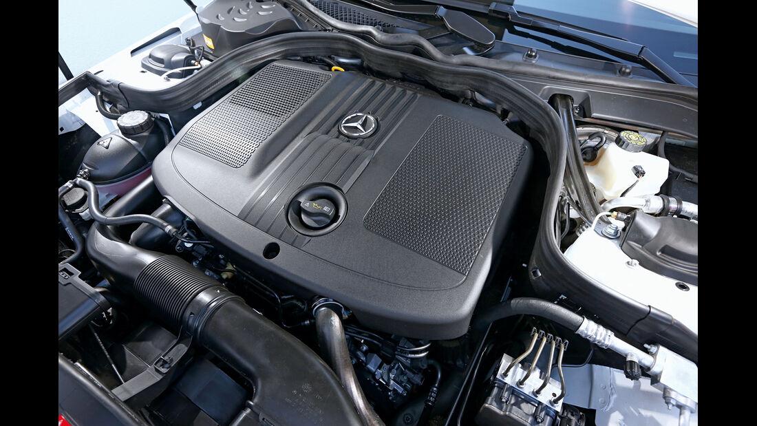 Mercedes E 220 Bluetec T, Motor