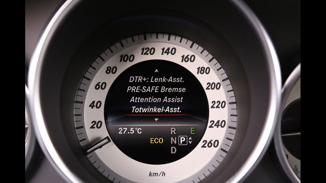 Mercedes E 220 CDI, Tacho, Anzeige