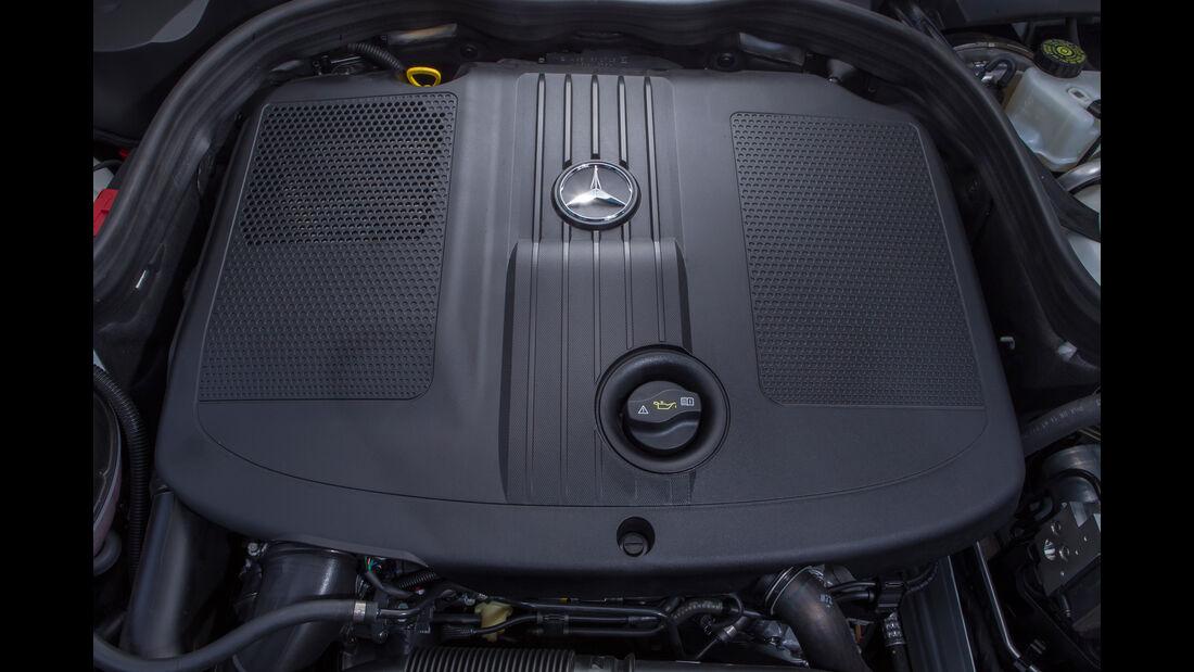 Mercedes E 220 T Bluetec, Motor