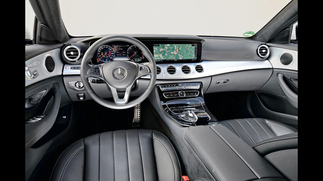 Mercedes E 220 d 4Matic, Cockpit