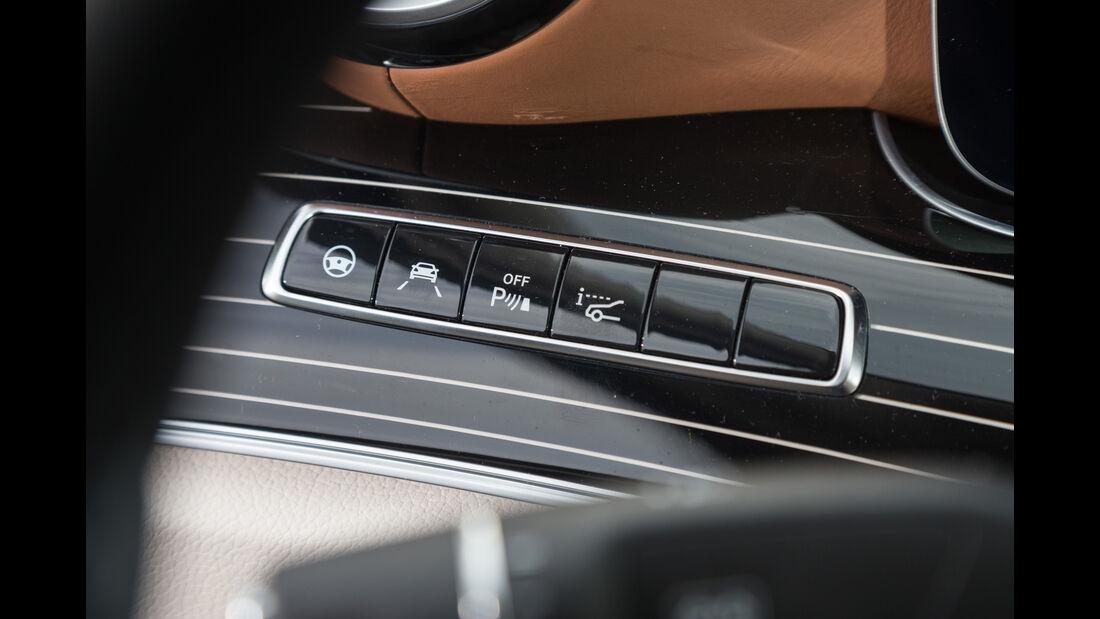 Mercedes E 220 d, Bedienelemente