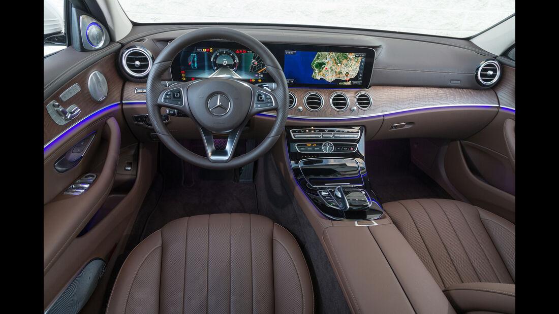 Mercedes E 220 d, Cockpit