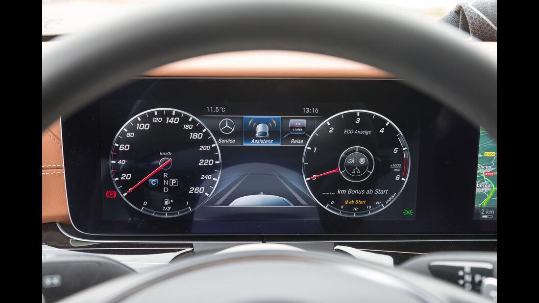 Mercedes E 220 d, Infotainment