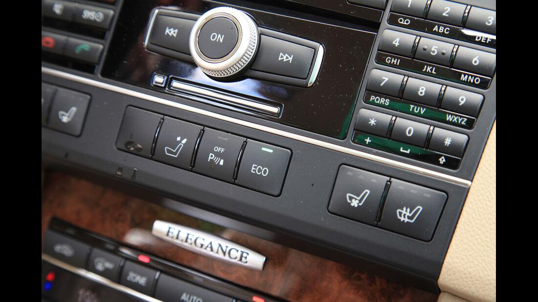 Mercedes E 250 CDI T, Mittelkonsole, Bedienelemente