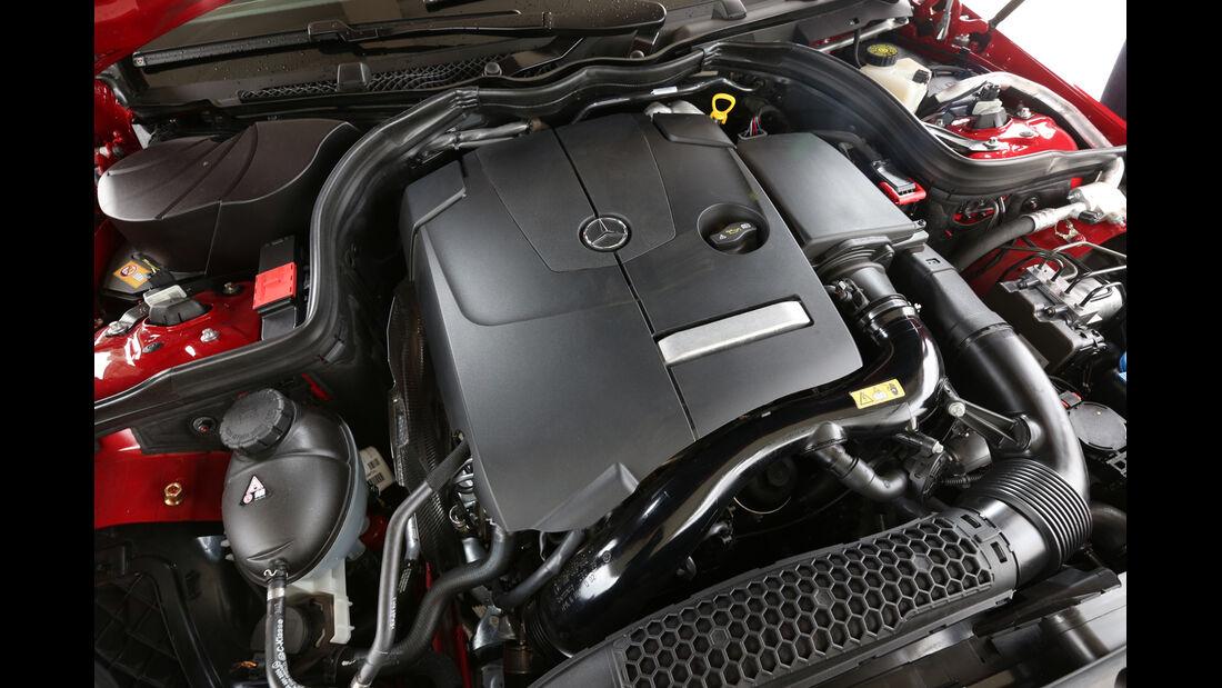 Mercedes E 250 Coupé, Motor