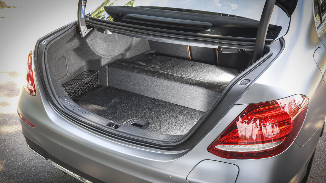 Mercedes E 300 e, Kofferraum