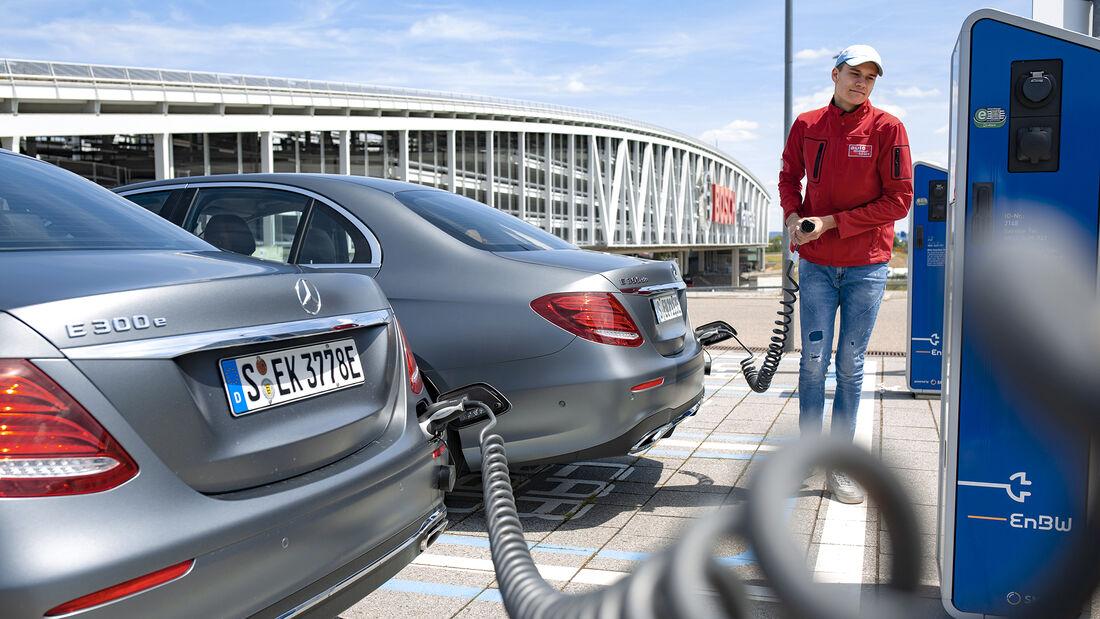 Mercedes E 300 e, Mercedes E 300 de, Ladesäule