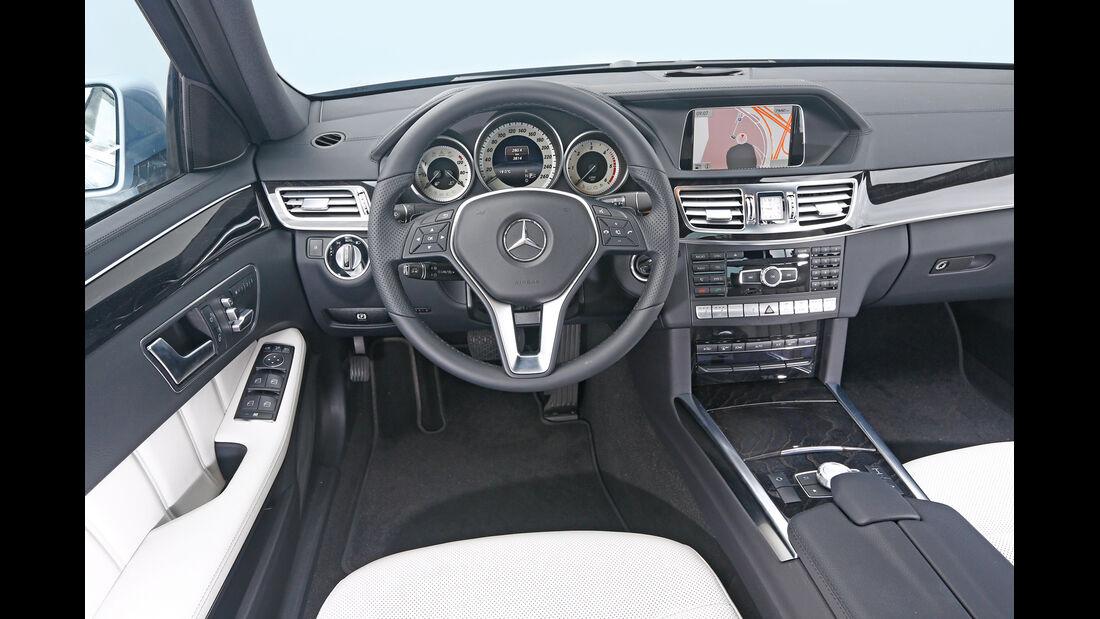 Mercedes E 350 Bluetec, Cockpit