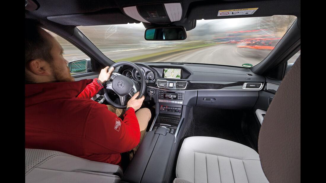 Mercedes E 350 Bluetec, Cockpit, Fahrersicht