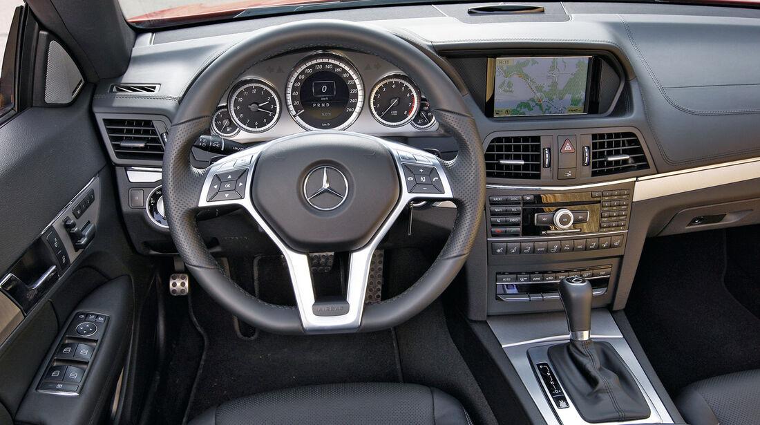 Mercedes E 350 Cabriolet, Cockpit, Lenkrad