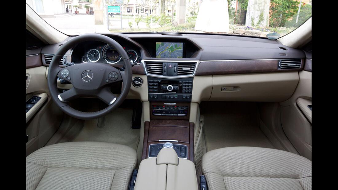 Mercedes E 350, Cockpit, Fahrersitz, Innenraum