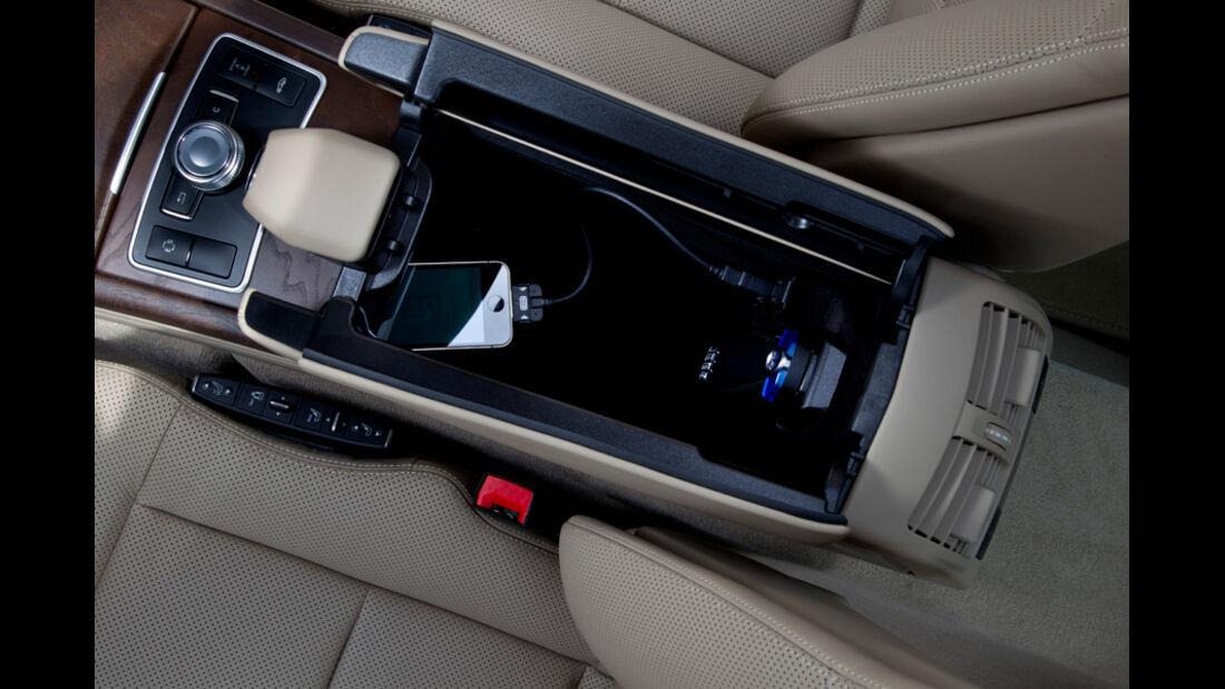 Mercedes E 350, Detail, Mittelkonsole, Ablagefach