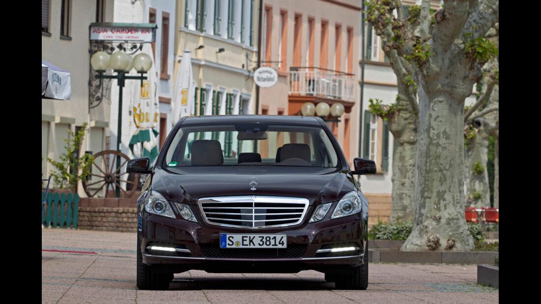 Mercedes E 350, Frontansicht, Stadt