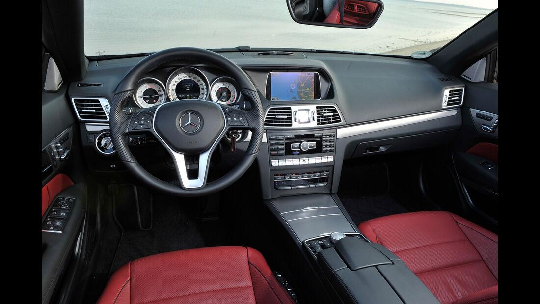 Mercedes E 400 Cabrio, Cockpit, Lenkrad