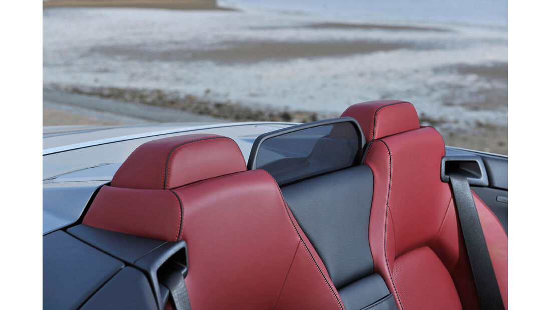 Mercedes E 400 Cabrio, Kopfstützen