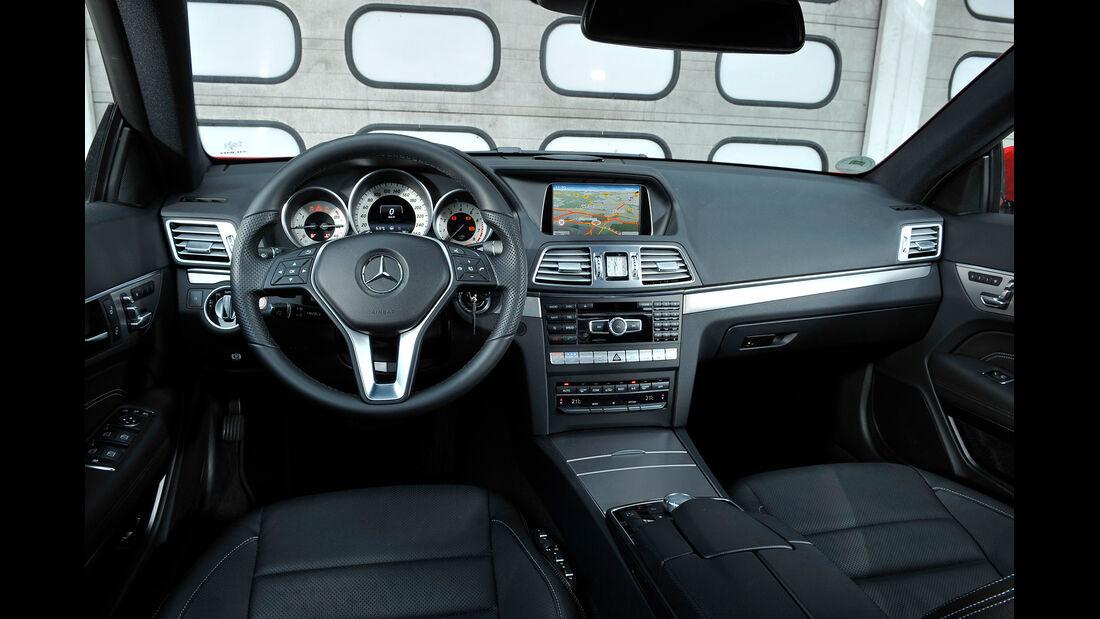 Mercedes E 400 Coupé, Cockpit