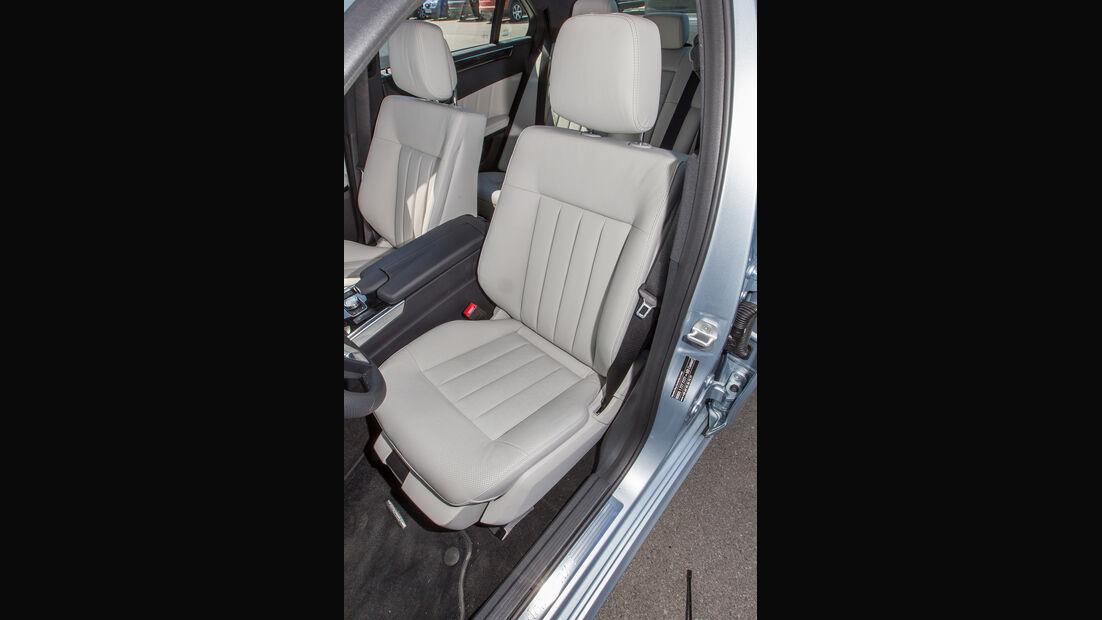 Mercedes E 400, Fahrersitz