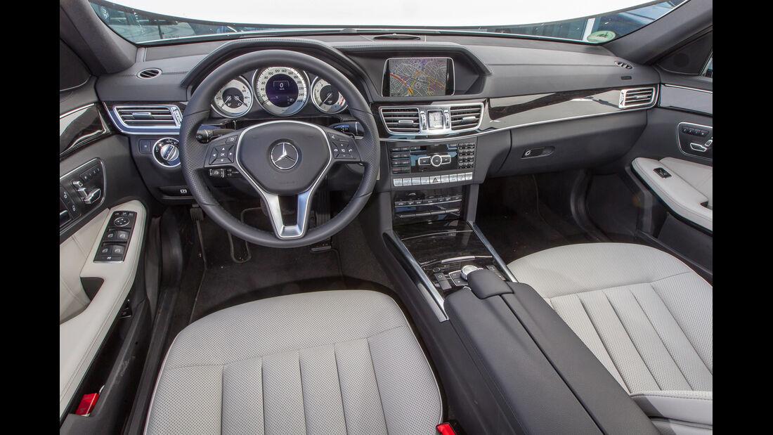 Mercedes E 400, Lenkrad, Cockpit
