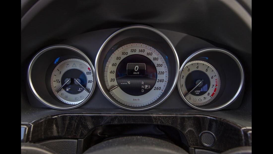 Mercedes E 400, Rundinstrumente
